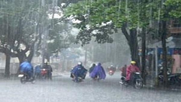 Chuyên gia khí tượng: Hết nắng nóng, Nam Định và các tỉnh miền Bắc đối diện với dông lớn khả năng có tố, lốc