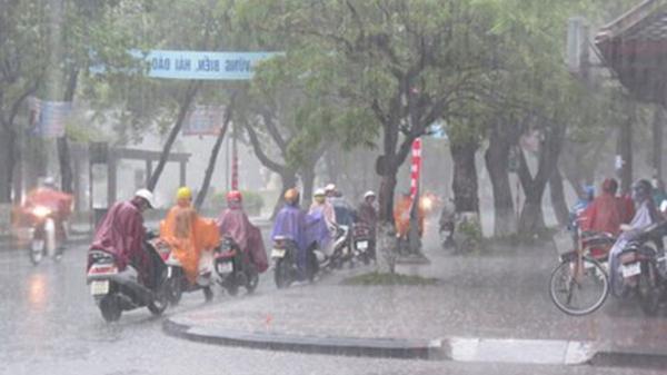 Ơn giời cuối cùng miền Bắc cũng đã có mưa sau bao ngày nắng nóng kinh hoàng