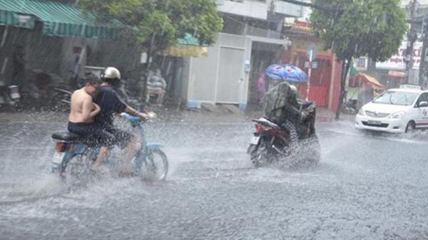Thời tiết hôm nay: Hết nóng, Nam Định và các tỉnh miền Bắc sẽ có mưa to và rất to khắp nơi