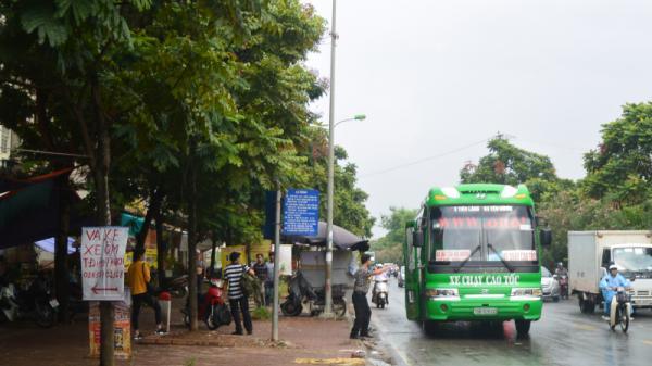 """Ngày đầu điều chỉnh lộ trình xe khách tuyến đi Thái Nguyên: Người bỡ ngỡ, kẻ """"chống đối"""""""