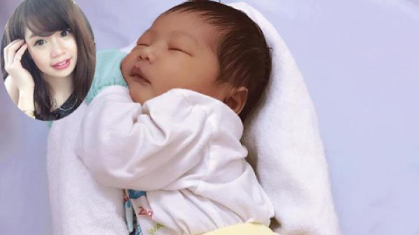 HOT: Mẹ 9X chia sẻ video triệu view hướng dẫn quấn ổ cho bé ngủ ngon gây BÃO trên công đồng mạng
