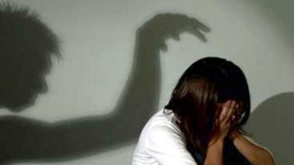 Chấn động: Phát hiện vụ hiếp dâm tới sinh con từ việc làm giấy khai sinh