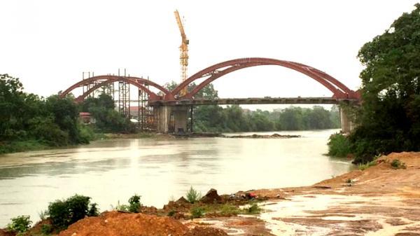 Thái Nguyên: Dự án kè đê hai bên sông Cầu chậm tiến độ, người dân lo lắng mùa mưa lũ