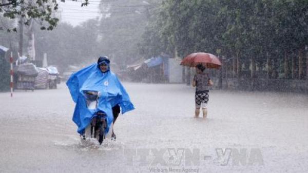 Khẩn cấp: Bão giật cấp 10 di chuyển nhanh, mưa to khắp nơi