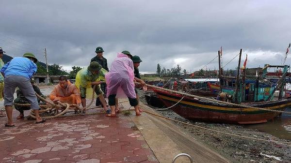 Nam Định cấm biển, toàn dân 'căng mình' phòng chống bão số 3