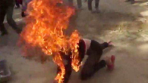 Xách hai xô xăng đến đốt nhà người yêu, nam thanh niên chết cháy tại chỗ