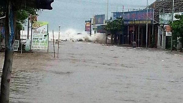 Lũ cuồn cuộn đổ về khắp các tỉnh, Nam Định có nguy cơ ngập lụt