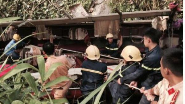 Xe khách mang BKS Thái Bình lao vực : Phó Thủ tướng chỉ đạo khẩn