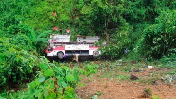 Vụ xe khách hướng Bắc Kạn - Cao Bằng lao xuống vực: Thót tim em bé 11 tuổi gọi không thưa tưởng đã ra đi, bất ngờ tỉnh lại