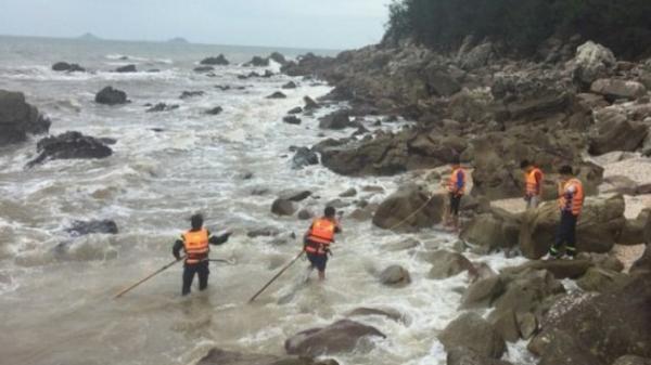 Tắm biển 1 người tử vong, 1 người quê Thái Bình mất tích