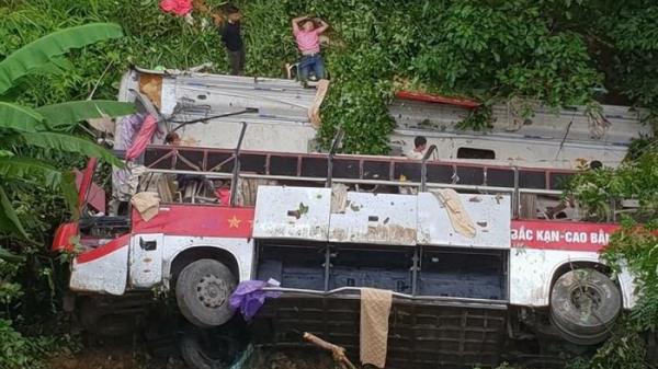 """Hộp đen của xe khách BKS Thái Bình lao xuống vực sâu 30m đột nhiên """"biến mất"""""""