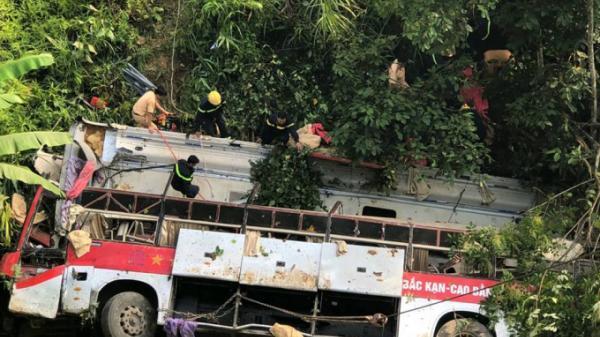 Vụ xe khách lao xuống vực: Bất ngờ với lời khai của tài xế quê Thái Bình