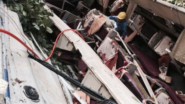 Hé lộ nguyên nhân vụ xe khách BKS Thái Bình giường nằm lao xuống vực