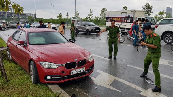 Công an khám nghiệm hiện trường vụ ôtô BMW tông chết cô gái