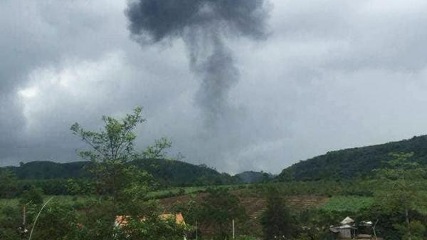 Nóng: Máy bay quân sự Su-22 rơi kinh hoàng, 2 phi công tử nạn