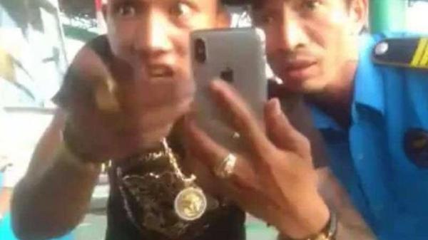 Nam Định: Khó xử lý đối tượng giang hồ khoe 'của quý' tại trạm BOT Mỹ Lộc