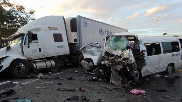 """Tiết lộ """"kinh hoàng"""" về tài xế trong vụ tai nạn thảm khốc làm 13 người chết"""