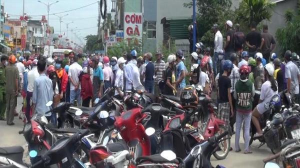 Phát hiện x.ác nam thanh niên đang phân hủy cạnh xe mô tô