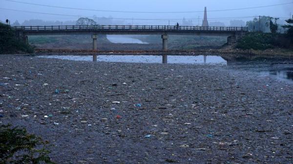 Bắc Ninh có dự án gần 700 tỷ chậm tiến độ, 'dòng sông chết' vì ô nhiễm