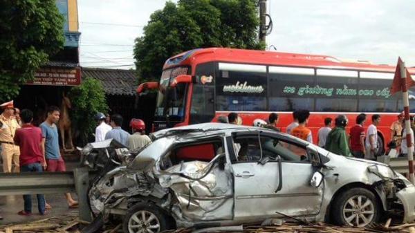 Nam Định: Hé lộ nguyên nhân bất ngờ vụ tàu hỏa tông nát ô tô khiến 4 người thương vong