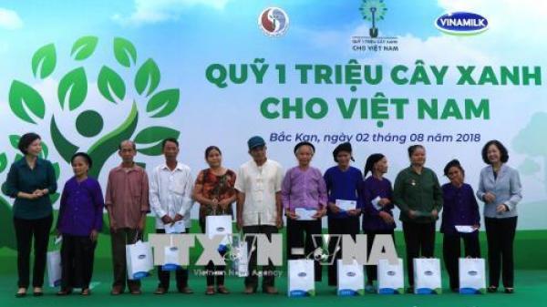 Chương trình 'Quỹ 1 triệu cây xanh cho Việt Nam' đến với vùng cao Bắc Kạn