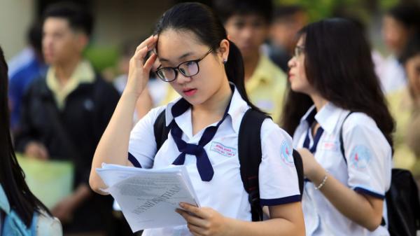NÓNG: Sau ngày lọc ảo đầu tiên, điểm chuẩn dự kiến của các trường giảm mạnh
