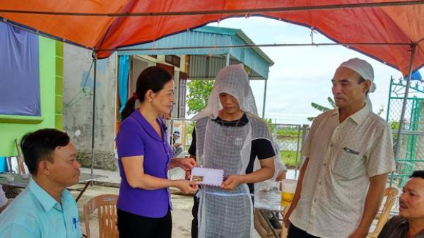 Mặt trận Thái Bình thăm hỏi, hỗ trợ gia đình nạn nhân bị điện giật