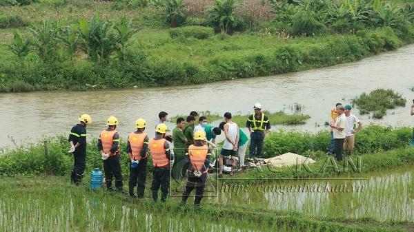 Đã tìm thấy xác nạn nhân được cho là nhảy cầu tại thành phố Bắc Kạn