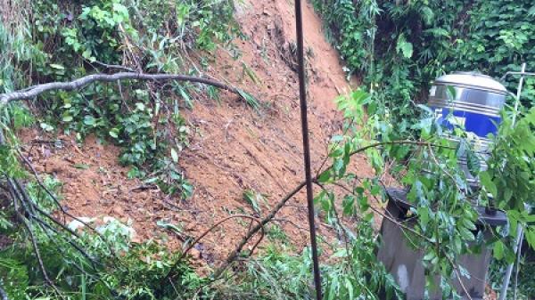 Sạt lở đất nghiêm trọng ở tổ 19 phường Sông Cầu
