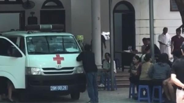 Xe cứu thương liên tục đưa th.i th.ể nạn nhân ở đêm nhạc hội về quê mai táng