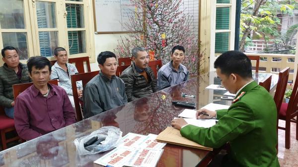 """Cảnh sát t.óm gọn """"cò mồi"""" Thái Bình cùng đồng bọn chèo kéo khách đi chùa Hương"""