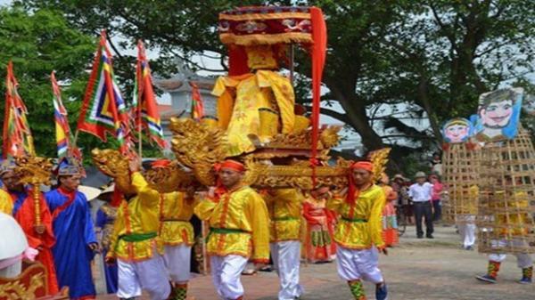 Ý nghĩa sâu xa của lễ hội phồn thực táo bạo ở Thái Bình
