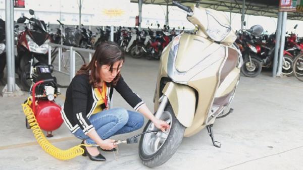 Thái Bình: Bố trí máy bơm xe cho công nhân