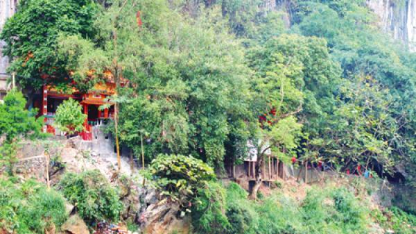 Đền Thắm (Bắc Kạn) - điểm đến tâm linh