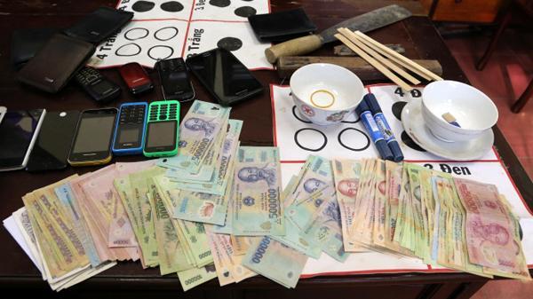 Bắc Kạn: Nguyên Chánh án TAND huyện Chợ Mới bị xử án tù về tội đánh bạc