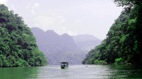 Hồ Ba Bể - Di tích danh thắng cấp Quốc gia đặc biệt