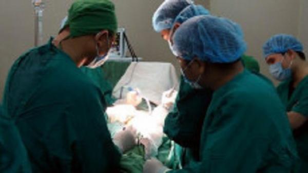 Lần đầu Bệnh viện Đa khoa Bắc Cạn thay chỏm khớp háng cho bệnh nhân
