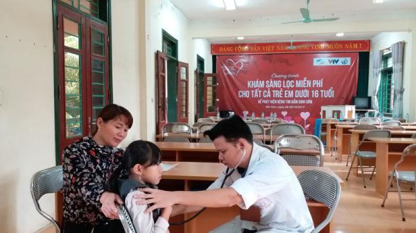 Bắc Kạn: Khám sàng lọc bệnh tim bẩm sinh miễn phí cho trẻ em