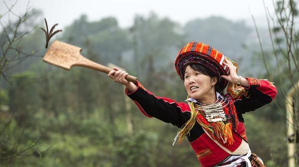 Đánh Yến là trò chơi dân gian đơn giản của dân tộc Tày, Nùng, Mông