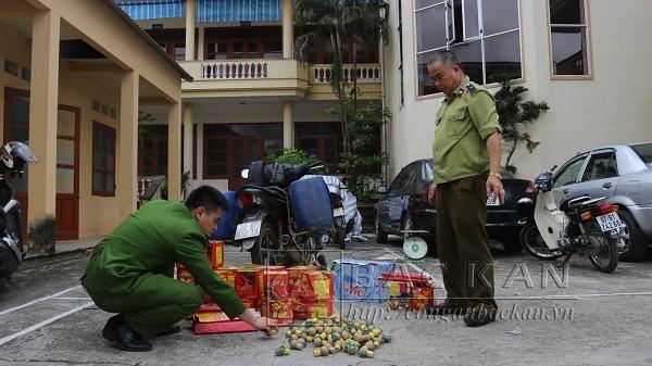 Bắc Kạn: Bắt giữ vụ vận chuyển pháo trái phép với số lượng lớn