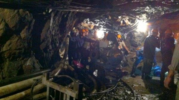 Xe goòng trôi trong mỏ chì kẽm Pù Sáp, một công nhân tử vong