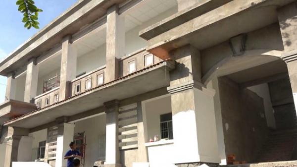 Phước Long (Bạc Liêu): Hàng trăm học sinh mòn mỏi chờ trường mới