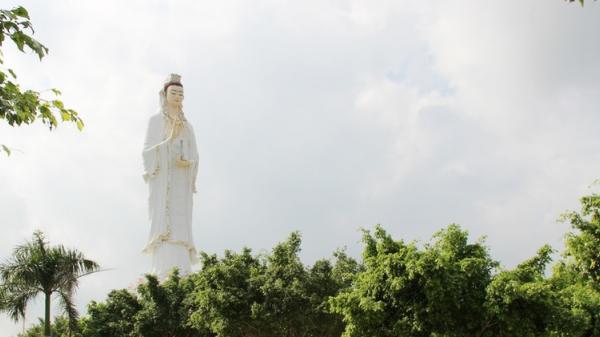 Chiêm ngưỡng tượng Quán Thế Âm Bồ tát ở Bạc Liêu