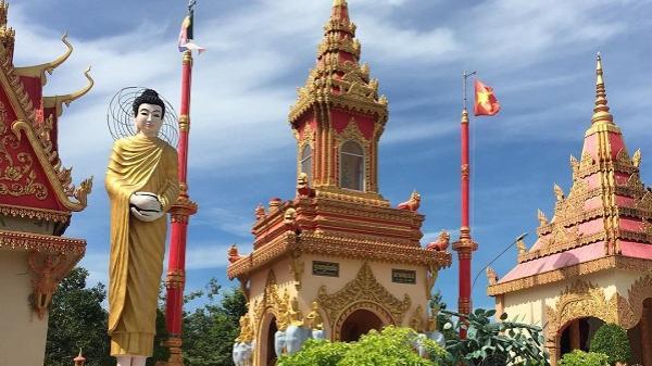 Đầu năm hành hương về chùa Xiêm Cán - ngôi chùa cổ và đẹp bậc nhất miền Tây