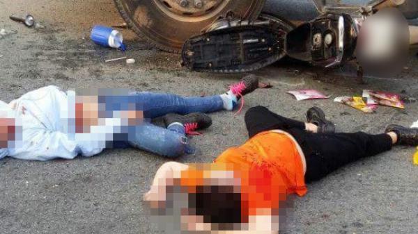 'Kẹp' 3 không mũ bảo hiểm, chạy tốc độ cao tông vào đầu kéo container, ba cô gái nguy kịch