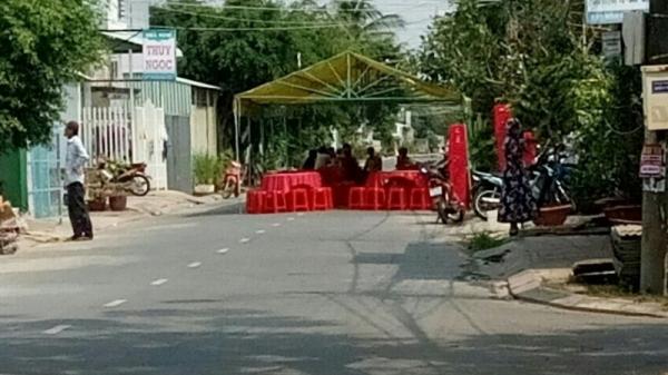 NÓNG: Hoảng hồn phát hiện người đàn ông treo cổ chết sau nhà ở Bạc Liêu