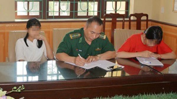 Bị lừa bán sang Trung Quốc khi xuống Bắc Ninh tìm việc, 2 nữ sinh báo tin cho cô giáo qua facebook
