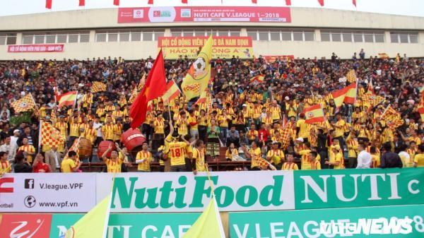 Sân Thiên Trường (Nam Định) cuồng nhiệt nhất V-League, hàng nghìn cổ động viên tụ hội về đây