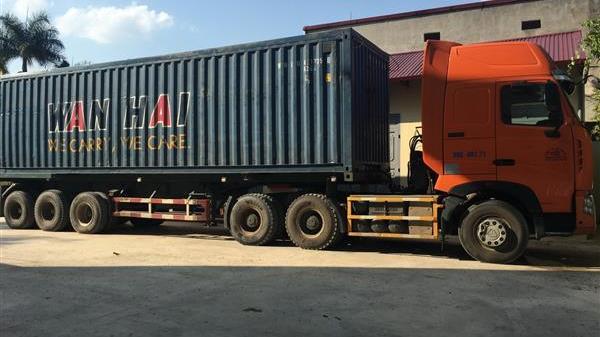 Tóm gọn người đàn ông quê Nam Định khi đang vận chuyển hàng chục tấn hàng trái phép