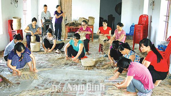 Nam Định: Về Nghĩa Lợi xem nghề đan cói xuất khẩu thu về tiền tỷ mỗi năm
